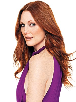 Julianne Moore Made Freckles Look HOT!